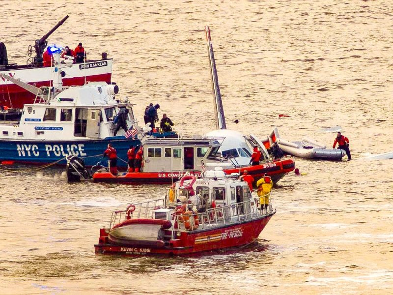 Photo of Flight 1549 Hudson River Rescue by BM2 Foster, USCG