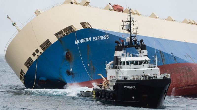 modern-express-under-tow-at-last-en-route-to-port-of-bilbao-1
