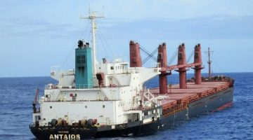 South Africa Tells Stricken Bulk Carrier to Stay Away from Coast