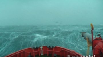 Watch: 2.5 Hours of a Ship in Heavy Seas