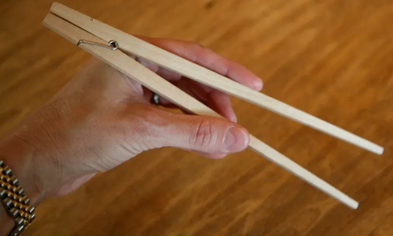 geardiary_useful_things_clothespin_chopsticks_04