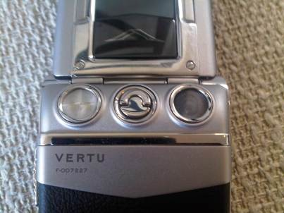 Vertu Ayxta Camera, Flash, and Back Release