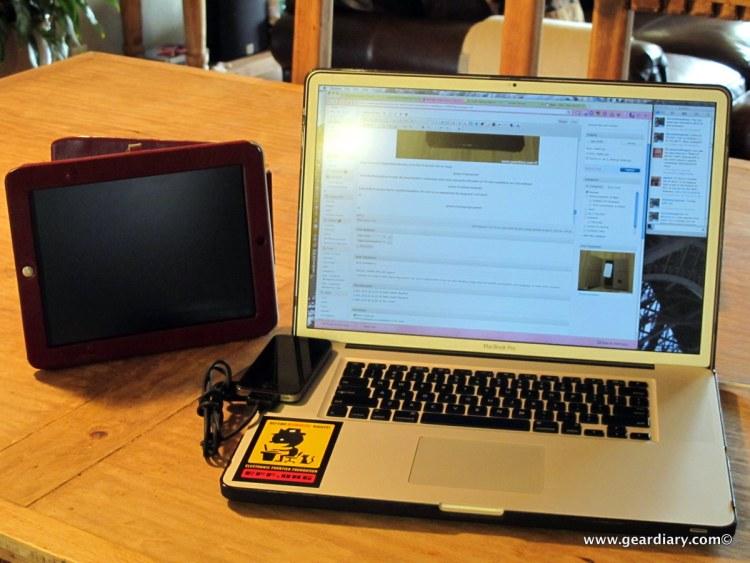 geardiary-orbino-padova-ipad-case-in-use-1