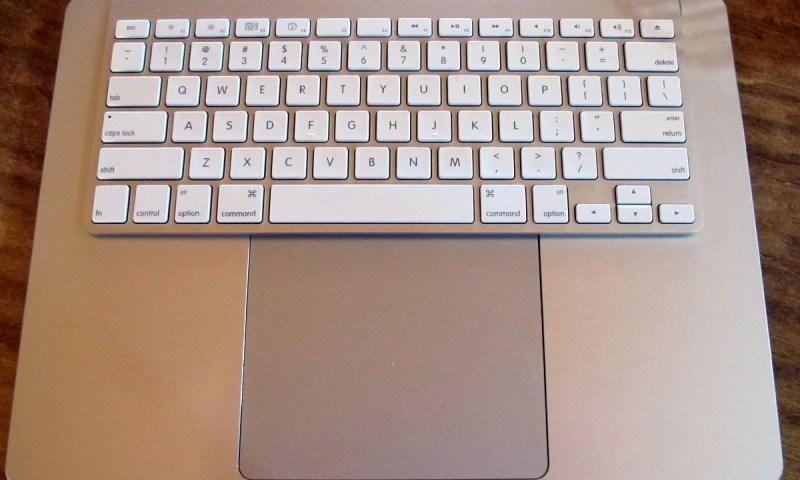 geardiary-bullettrain-express-keyboard-stand-5