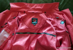 Gear Diary SCOTTEVEST Women's Trench Review photo