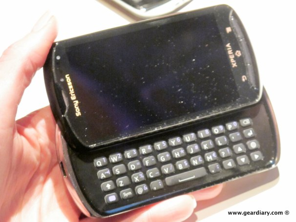 geardiary-chipchick-sony-ericsson-mobile-word-congree-pro-neo-play-114