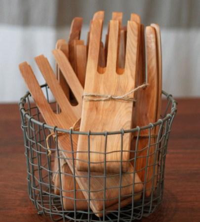 alder-and-co-maple-salad-hands-3