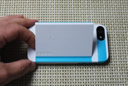 Gear-Diary-Incipio-Stowaway-iPhone-5.37-2.jpg