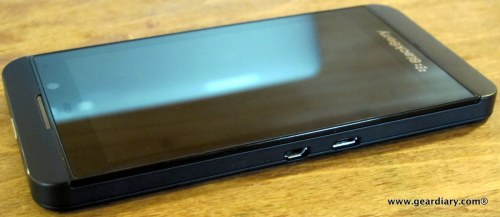 10-geardiary-blackberry-z10-smartphone-009