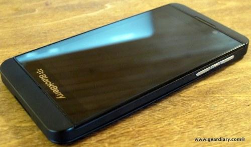 12-geardiary-blackberry-z10-smartphone-011