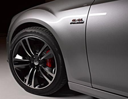 Chrysler300SRT8badging