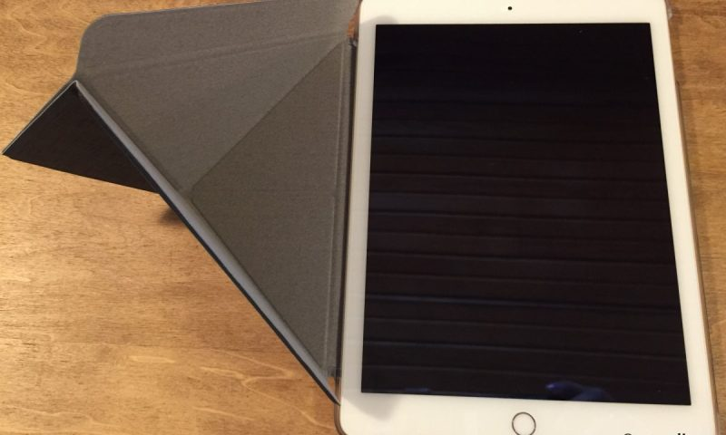 15-Gear Diary Reviews the Moshi VersaCover for the iPad Air 2.02-001