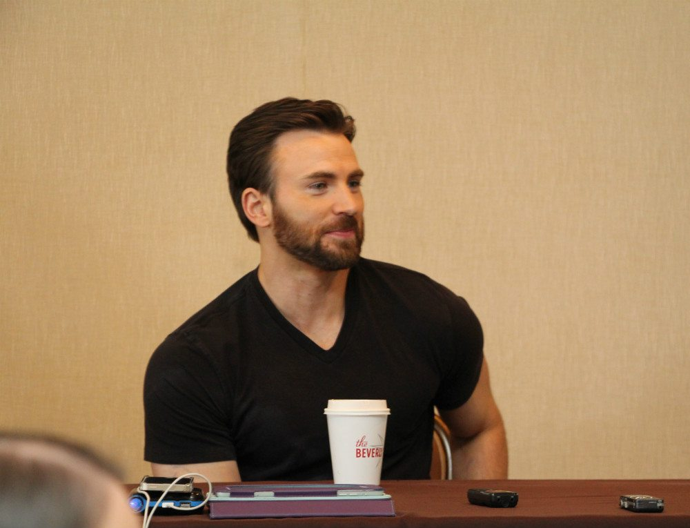 Chris Evans, looking very un-Cap-like but still (evidently) sexy