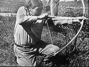"Native American archer Ishi, a member of the Yahi people, demonstrates the supposedly ""forgotten"" technique promoted by Lars Andersen."