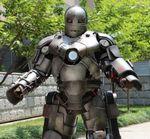 Un Iron Man real va a trabajar con su armadura [Vídeo]