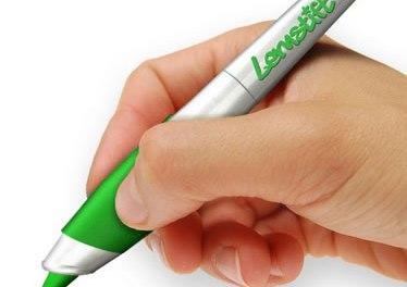 Lernstift: Una birome o lápiz óptico que vibra cuando escribes con errores de ortografía