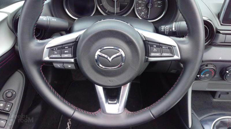 Mazda-MX-5-Miata-2016-15