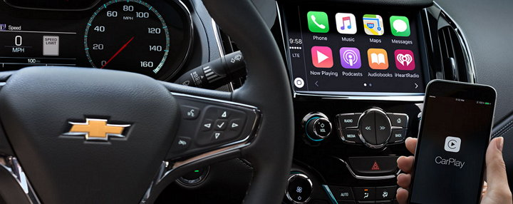 chevy-cruze-hatchback-2017-apple-carplay-android-auto