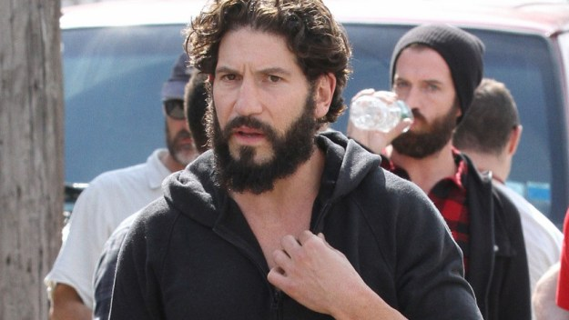 jon-bernthal-starts-filming-the-punisher-first-set-photos-02