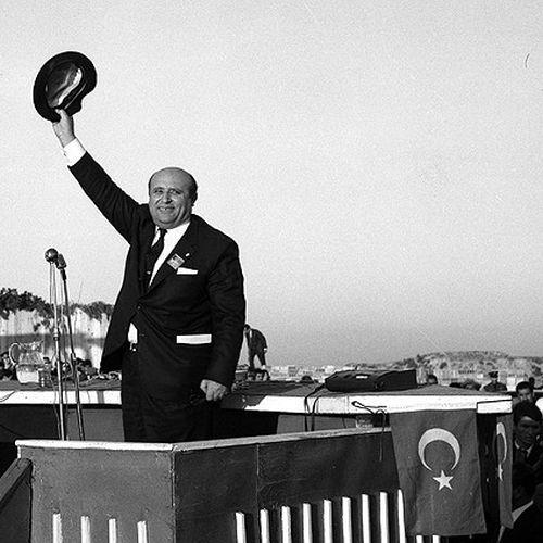 TÜRKİYE'yi TÜRKİYE'ye En İyi Anlatan Şarkı, Muhteşem Değer: DEMİRBAŞ
