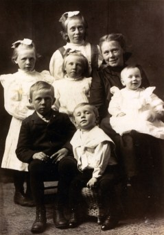 Children of Peter Stoltz II (1862-1948) and Winifred Rusch (1874-1933)