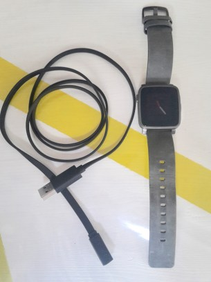 Pebble-Time-Steel-cable
