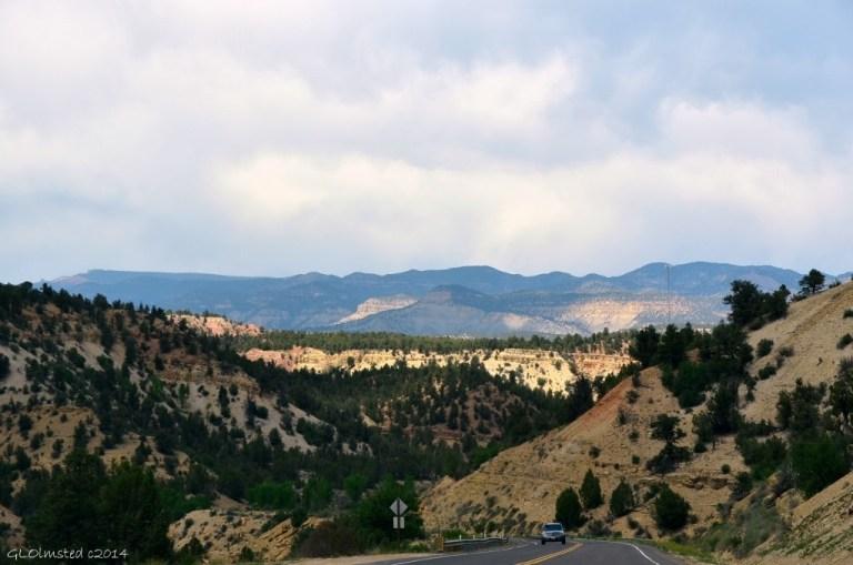 04 DSC_1713 View from SR89 N of Kanab UT g (1024x678)