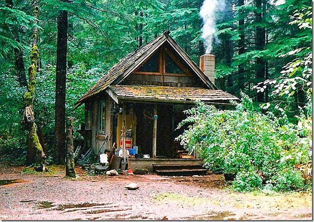 Cabin Eagles Cliff Washington