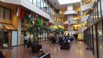 Students study in the ICC Galleria. (Photo: Taryn Shaw/The Georgetown Voice)