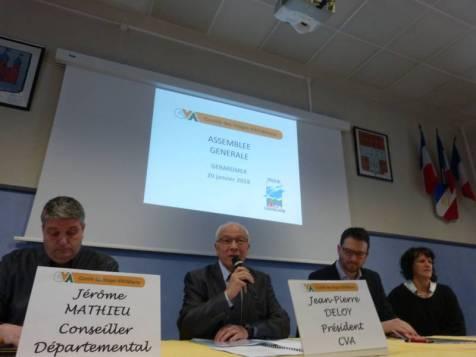 Jean-Pierre Deloy (au centre)président départemental