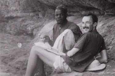 Paul Parin mit Gesprächspartner, Mali, frühe 1960er Jahre; Quelle: xxx