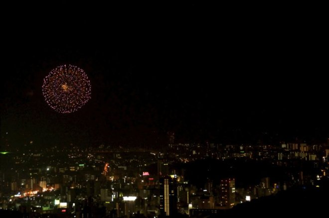 hiroshima-port-fireworks-from-ushita-yama-04