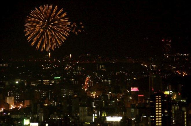 hiroshima-port-fireworks-from-ushita-yama-06