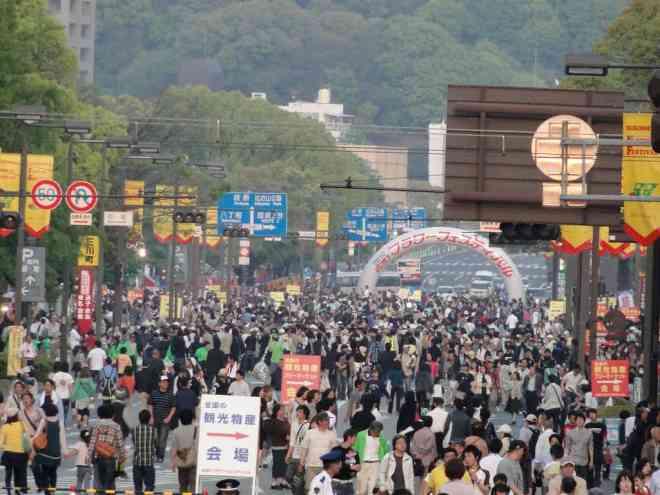 Peace Boulevard open to pedestrians during flower festival