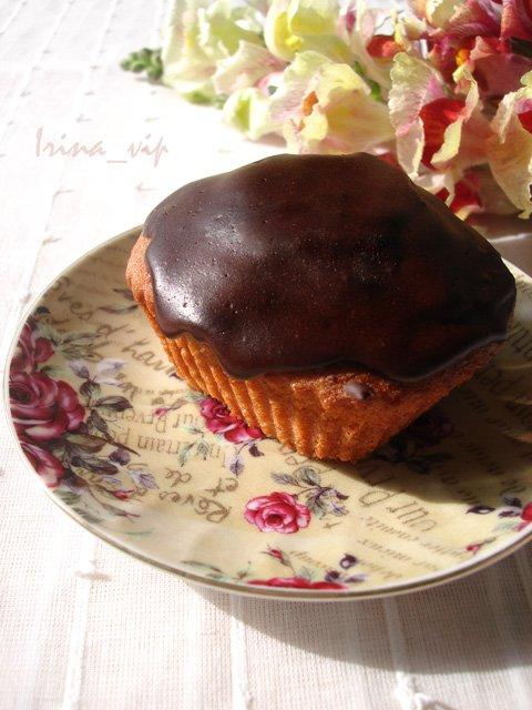 keks v sekoladnoi glazuri