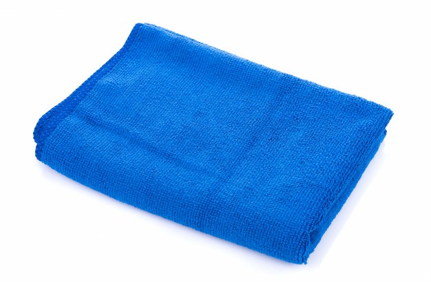 blue-microfiber-cloth-isolated-on-white-background_29402-574