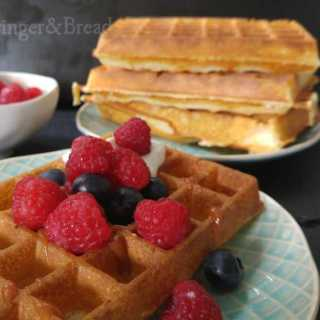almost healthy Lemon Waffles