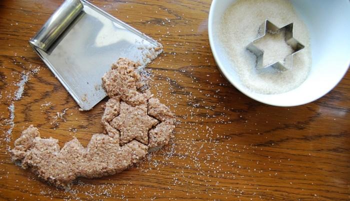 Cinnamon stars cutting the shapes