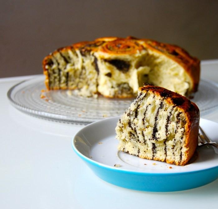 Poppy bun cake 2