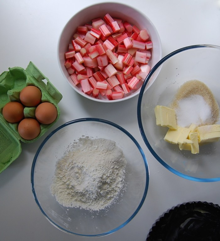 rhubarb cake ingredients