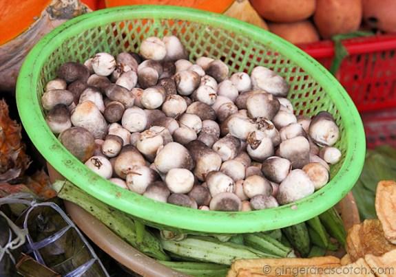 Hoi An Market - Straw Mushrooms