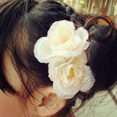 お花のヘアピン