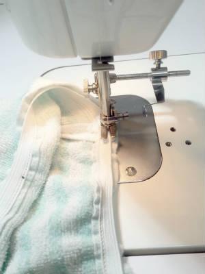 ゴム縫い付け