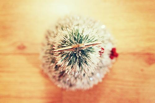 クリスマスツリーを上から見た図のフリー写真素材(商用可)