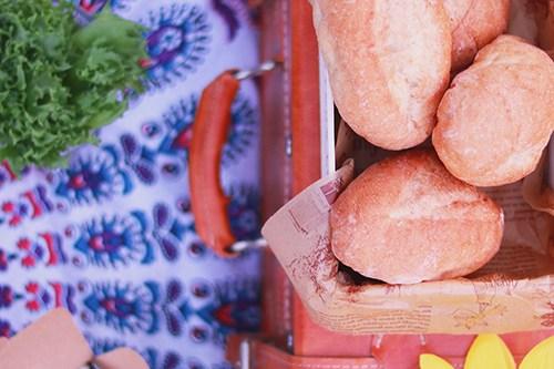上からみたおしゃれピクニックのフリー写真素材(商用可)