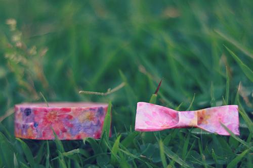 花柄のマスキングテープをアレンジして作ったリボンのフリー写真素材(商用可)