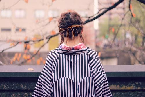 冬の和服は羽織を合わせてオシャレに防寒♡のフリー写真素材(商用可)