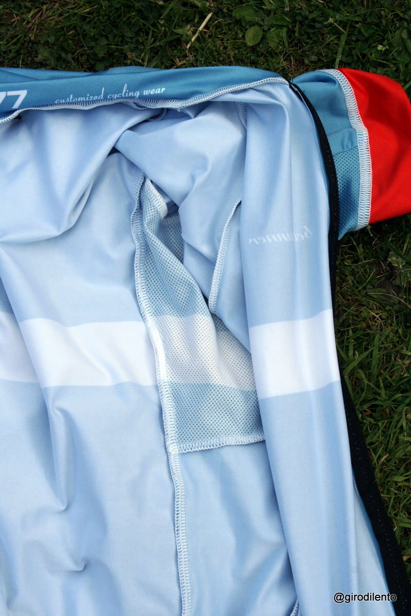 Inside the Bellitanner jersey, some stitching and breathability around armpits detail