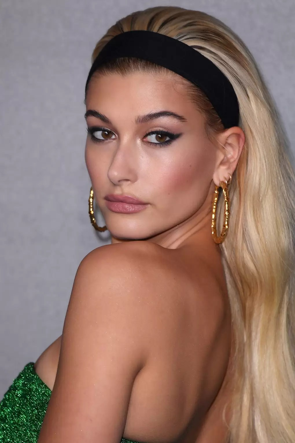 Hailey Baldwin Best Hair   Makeup Looks   Glamour UK