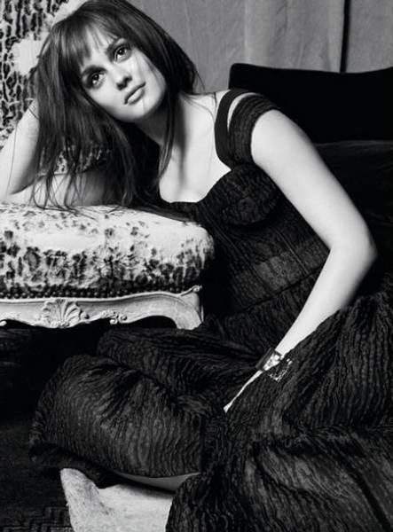 Leighton-Meester-Marie-Claire-US-2